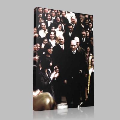 Renkli Atatürk Resimleri 210 Kanvas Tablo