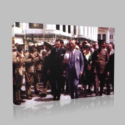 Renkli Atatürk Resimleri 221 Kanvas Tablo