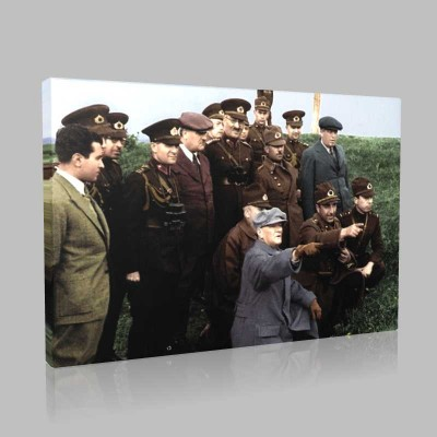 Renkli Atatürk Resimleri 250 Kanvas Tablo