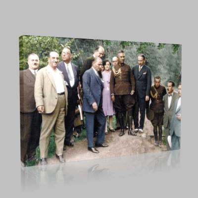 Renkli Atatürk Resimleri 300 Kanvas Tablo