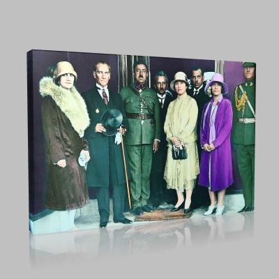 Renkli Atatürk Resimleri 310 Kanvas Tablo