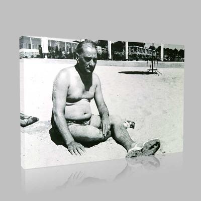 Siyah Beyaz Atatürk Resimleri  250 Kanvas Tablo
