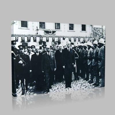 Siyah Beyaz Atatürk Resimleri  320 Kanvas Tablo