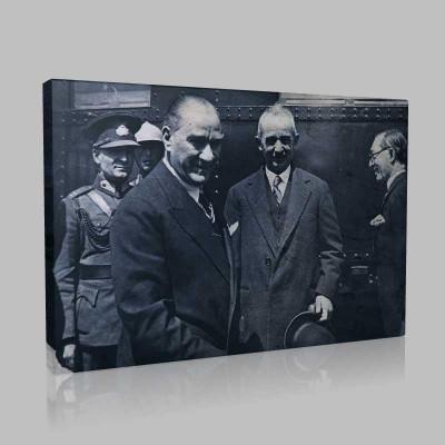 Siyah Beyaz Atatürk Resimleri  442 Kanvas Tablo