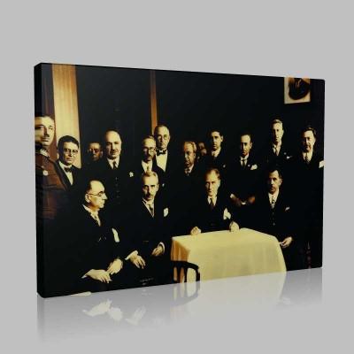 Siyah Beyaz Atatürk Resimleri  446 Kanvas Tablo