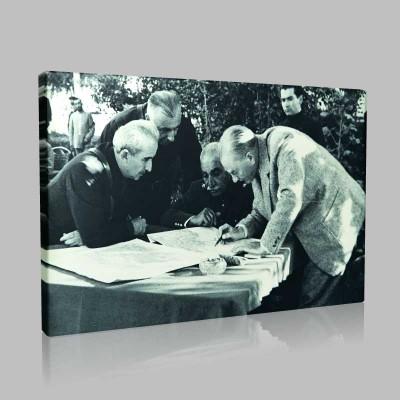 Siyah Beyaz Atatürk Resimleri  450 Kanvas Tablo