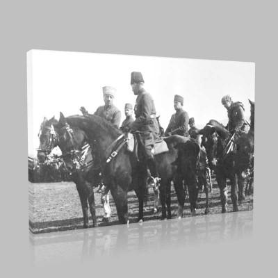Siyah Beyaz Atatürk Resimleri  500 Kanvas Tablo